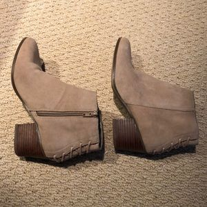 Tan ankle boot